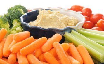 Vegetable platter with hummus