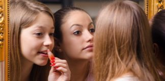 Makeup Habits that can Actually Make you Sick