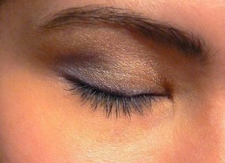 How to Choose the Right Eye Shadow for Your Skin Tone