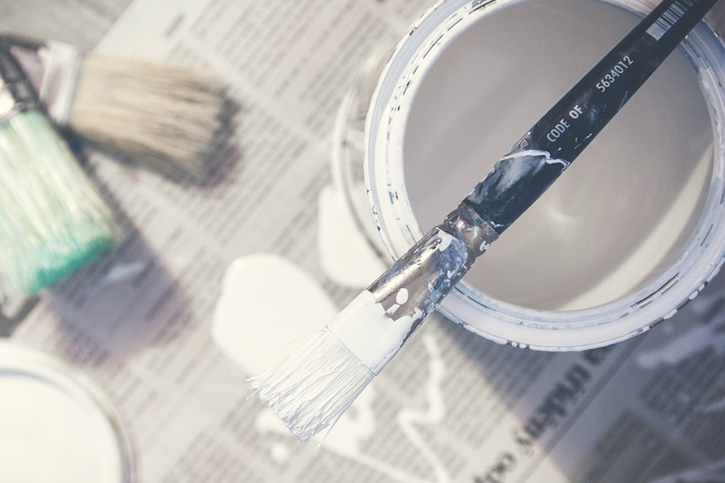 paint bucket brush
