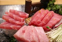tuna raw sashimi